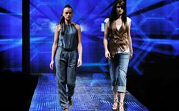 Influence of fashion shows on the fashion market and on society