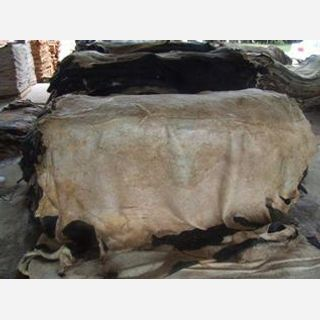 Natural colours like Black, Brown, White, Semi Finished, Wet Salted Cattle Head Skin