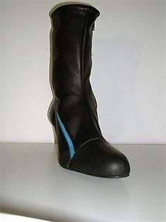Ladies Leather Boots Manufacturer