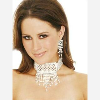 White Metal and Pearls, White Metal and Pearls