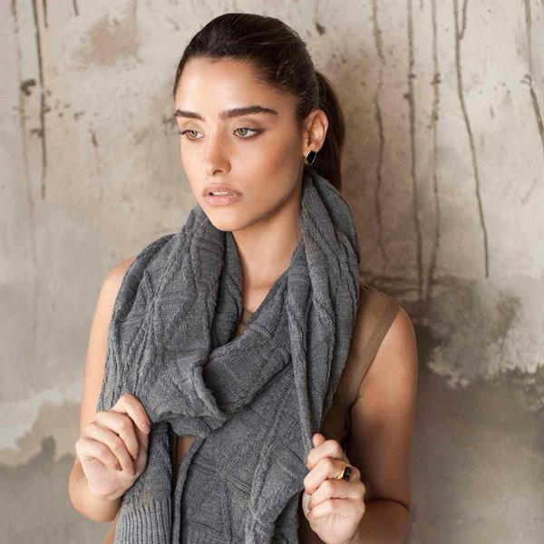 Womens Grey Scarves