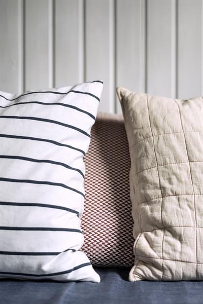 Throw Pillow Set