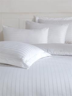White Plain Foam Pillows