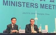 WTO DG Azevêdo and Chinese Minister of Commerce Gao Hucheng meet with the press at the 8 July launch in Shanghai of WTOI