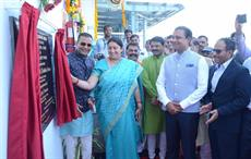 Textiles minister Smriti Irani and Welspun Group Chairman BK Goenka at the inauguration of advanced textile facility of Welspun in Anjar. Courtesy: Welspun