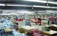 India mulls new schemes for jobs, textile clusters