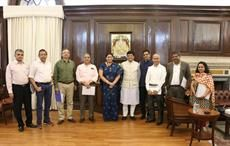 Textiles minister Smriti Irani (5th from left), Finance minister Piyush Goyal (5th from right) and others. Courtesy: AEPC
