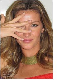 Gisele Bündchen presents new clothing collection for C&A