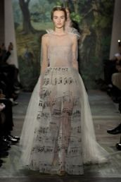Valentino introduces women's haute couture S/S collection
