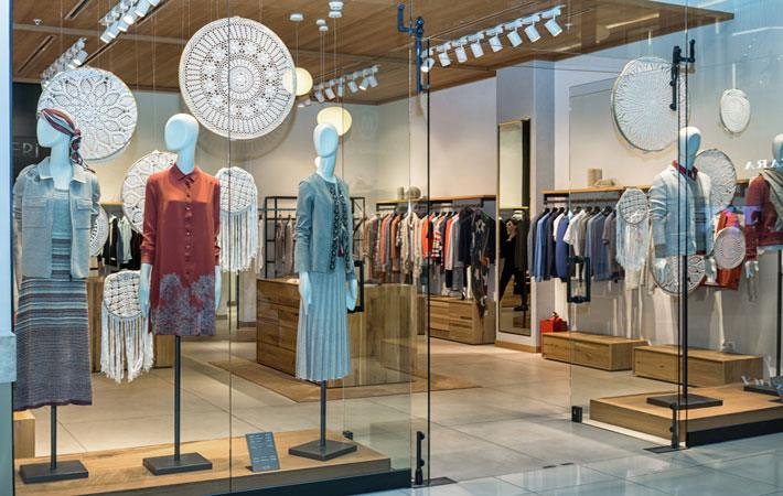 Big apparel brands use Pitney Bowes cross-border services