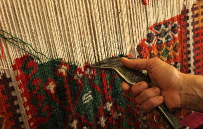Bihar weavers to sell products on Amazon India