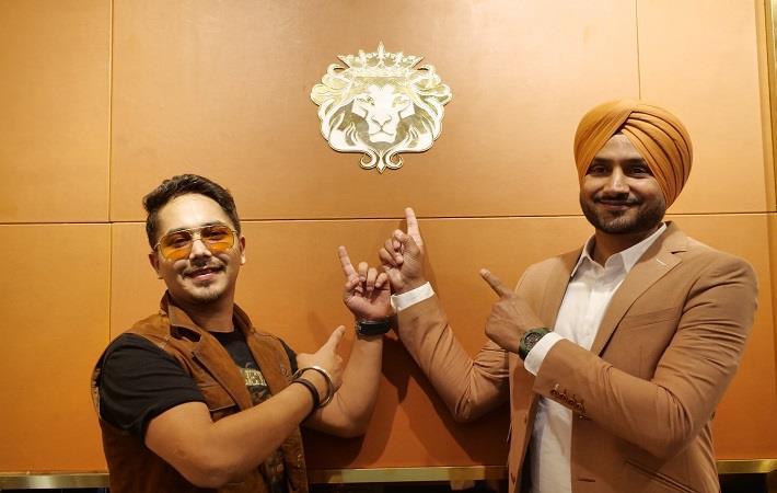 (L-R) Tabby Bhatia & Harbhajan Singh Pic: Brune & Bareskin