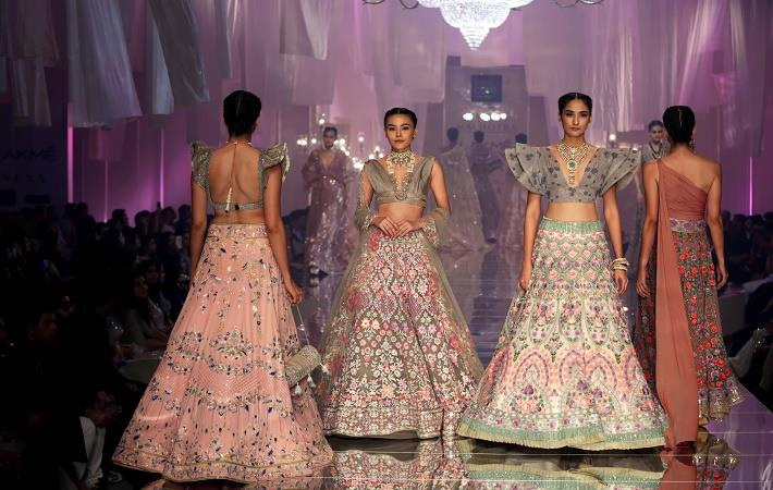 Lakme Fashion Week To Launch Lfw 2 0 At Summer Resort 2020 Fibre2fashion