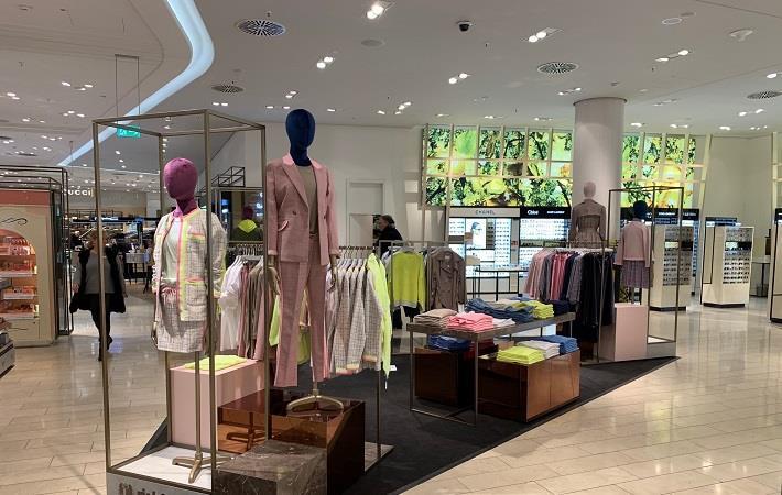 Pic: Rich & Royal store