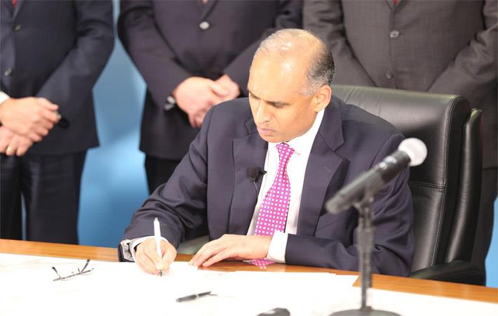 LyondellBasell CEO Bob Patel signs definitive agreements with the Liaoning Bora Enterprise Group (Bora)Pic: PR Newswire