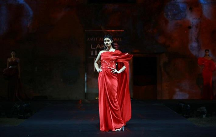 Lakme Absolute Grand Finale by Amit Aggarwal on day 5 of Lakme Fashion Week Summer/Resort 2020. Pic: Lakme Fashion Week