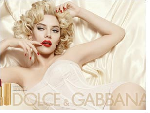Scarlett Johansson in UK to promote new D&G make up range