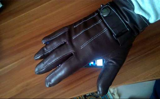 Add an Elegant Touch to Appearance with Leather Gloves