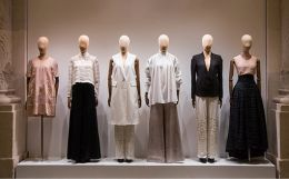 Indian Fashion Retailing : Growth and Issues