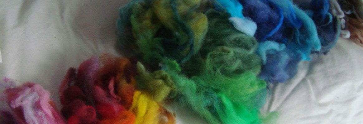 Textile Application of the Color Sensitivity of a Dye Mixture