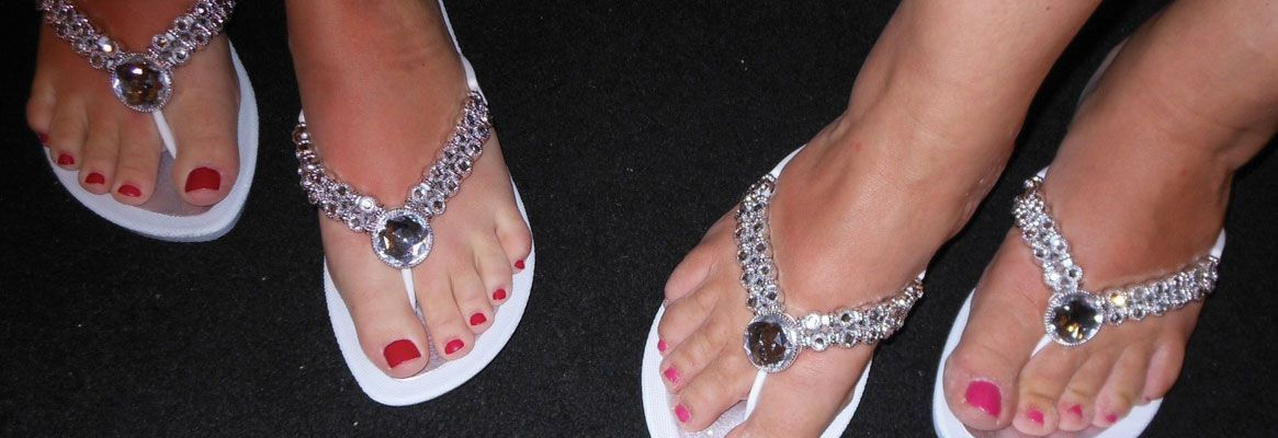 Jeweled Sandals-The Newest Wedding Footwear For Brides