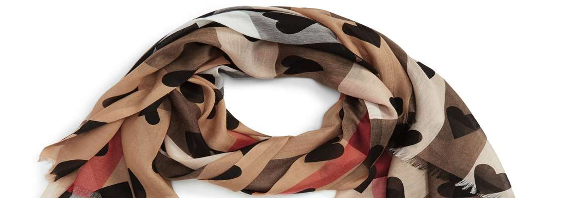 Scarf: Wonder Accessory both for Man and Woman