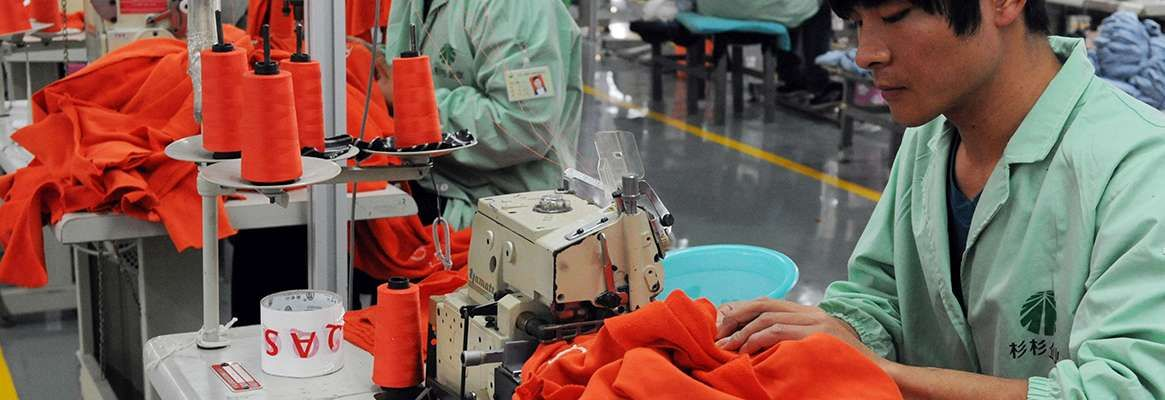 do you think china was right to place a tariff on exports of textiles from china why does such actio The us trade deficit with china was $375 billion in 2017 the trade deficit exists because us exports to china were only $130 billion while imports from china were $506 billion the united states imported from china $77 billion in computers and accessories, $70 billion in cell phones, and.