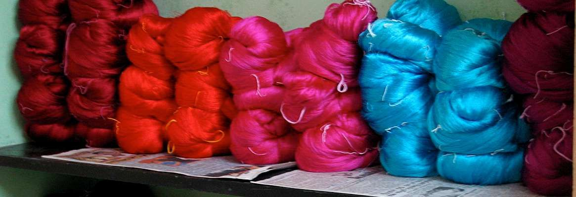 Trousseaux : From Weaving Hand-woven Textiles to Collecting Mass Commodities