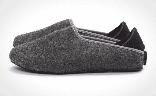 Influence of Waterproof Processing on Hygienic Properties of Felt Footwear