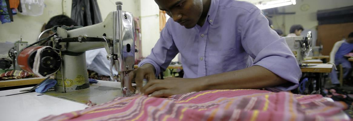 Let's-have-a-hybrid-apparel-manufacturing-policy_big
