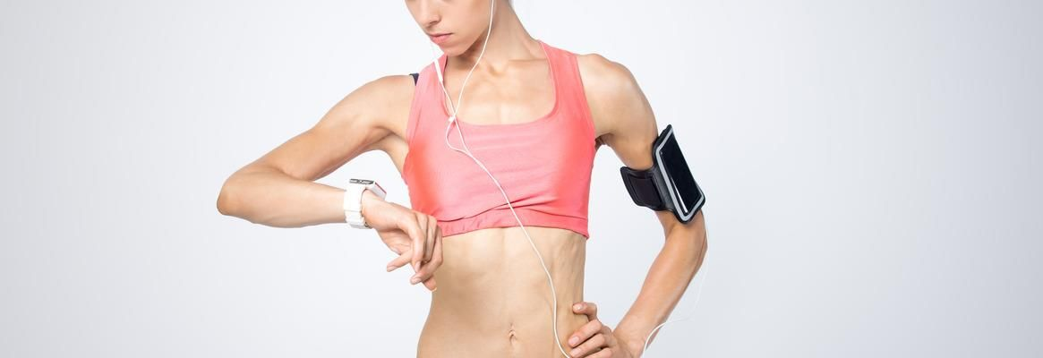 13 Best Smart Clothing For Performance And Health (2021 Update)